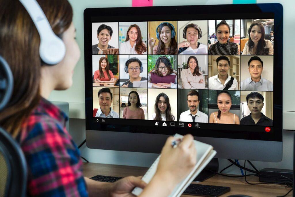 Integracja pracowników online – zabawy i gry pozwalające lepiej poznać się współpracowanikom