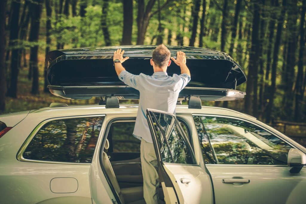 Bagażnik samochodowy na dach – uniwersalny
