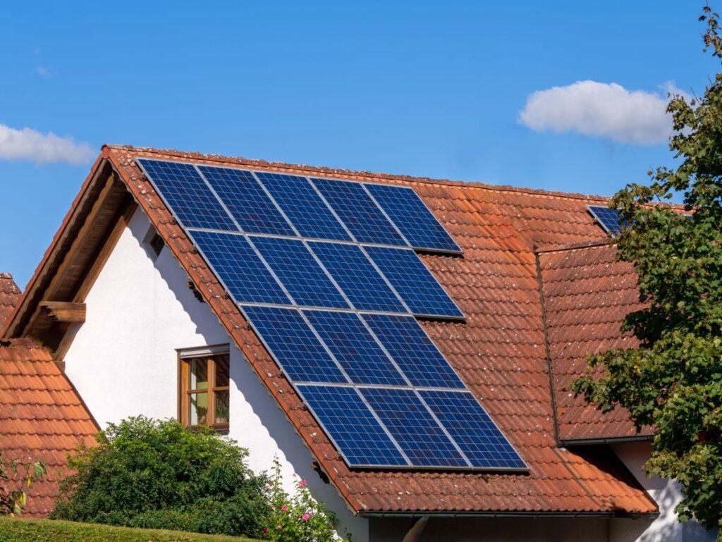 Panele słoneczne oraz ich zalety