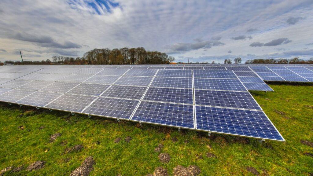 Jaka jest idealna orientacja dla paneli słonecznych?